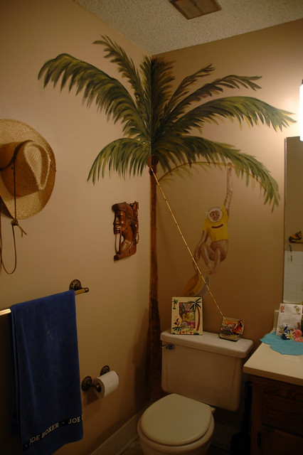 Tropical bathrrom decor