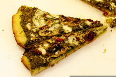 pesto pizza   after baking    MG 9691