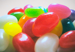 gumdrop(0.0), dessert(0.0), toy(0.0), candy(1.0), confectionery(1.0), sweetness(1.0), food(1.0), jelly bean(1.0),
