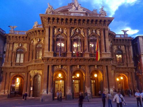 Catania, Teatro Bellini: Crocetta nomina commissario$