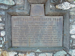 Photo of Mark Twain bronze plaque