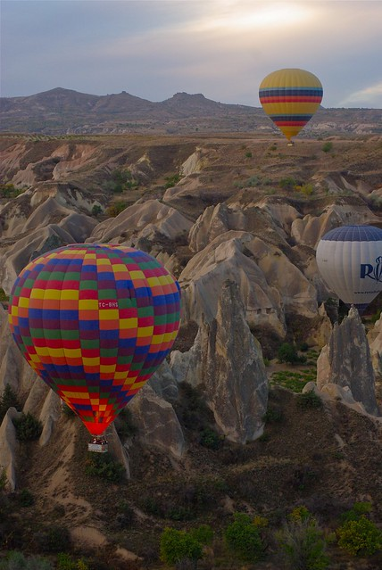 Balloons in Cappadocia by CC user atbaker on Flickr