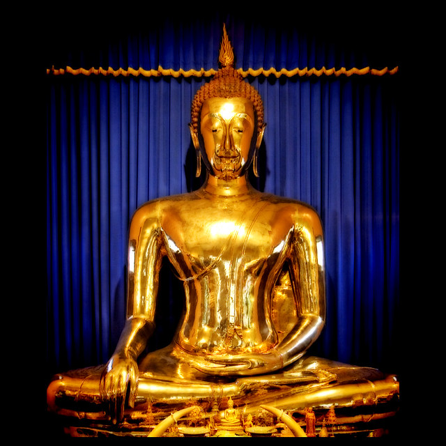 The Fascinating Story of the Wat Trimitr: Sukhothai Golden Buddha