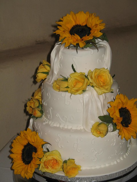 wedding cake south western art damask wedding centerpieces