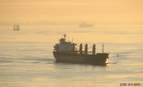 sunrise boat bateau leverdesoleil troisrivières fleuvestlaurent axelrd
