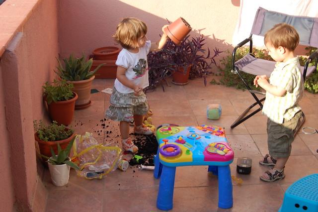 Jugando en la terraza