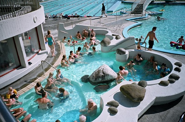 Public Pool In Reykjav K The Pools In Reykjavik Are All Fi Flickr Photo Sharing