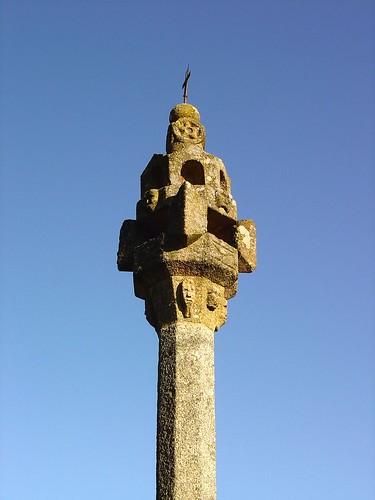 Pelourinho de Vila Cova à Coelheira - Portugal