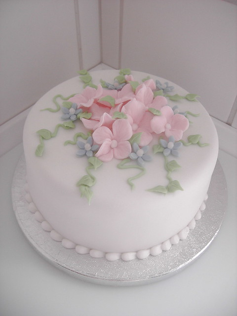 Cake with sugar Hydrangea flowers Flickr - Photo Sharing!