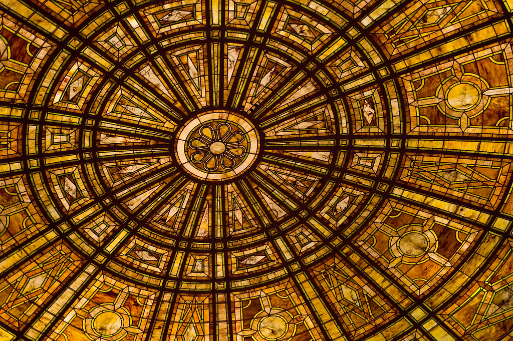 Glass ceiling in fullerton hall at the art institute of chicago