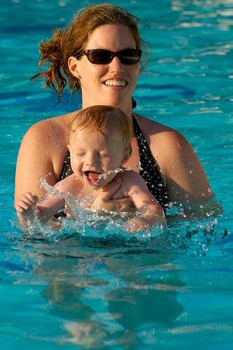 sunset water pool sunglasses nikki splash campbell motherandchild 85mmf14d copoco