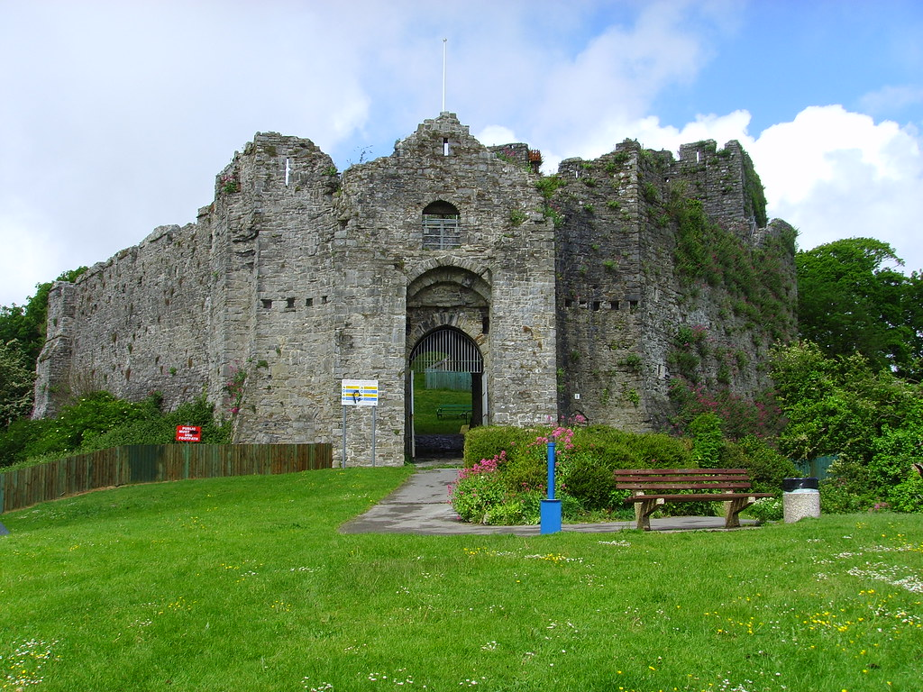 Oystermouth Castle - a photo on Flickriver