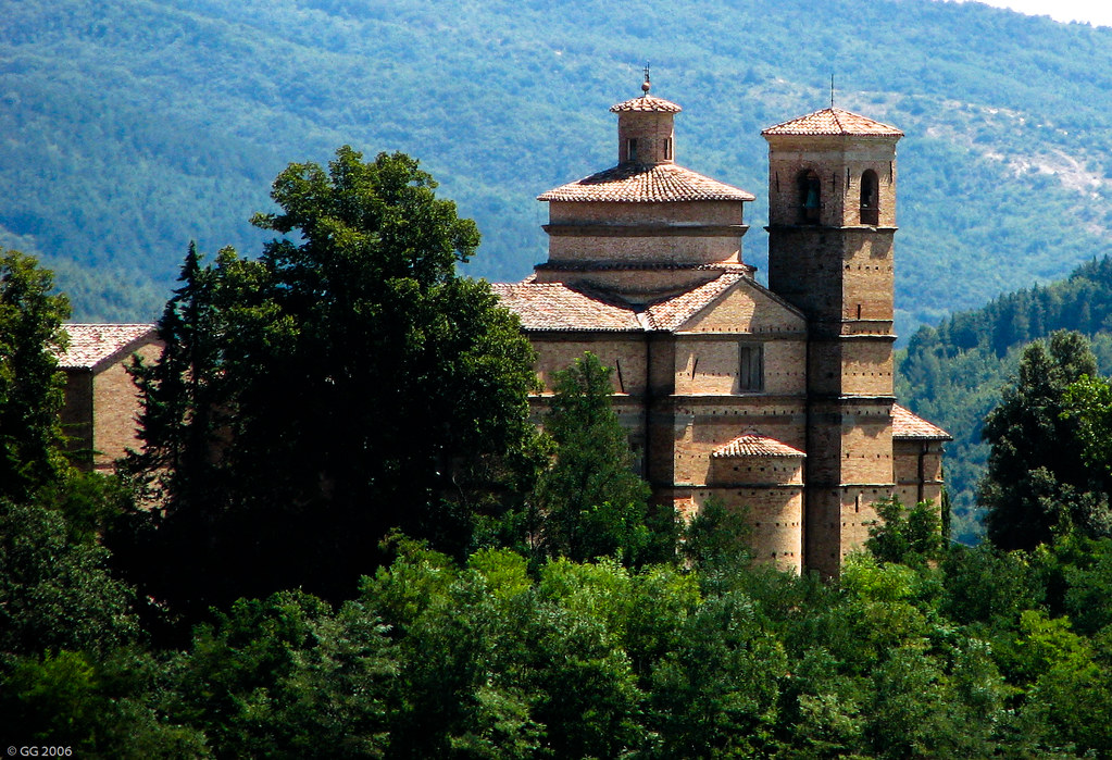 Urbino - Suburb | Map it: Google Earth | Street | Satellite