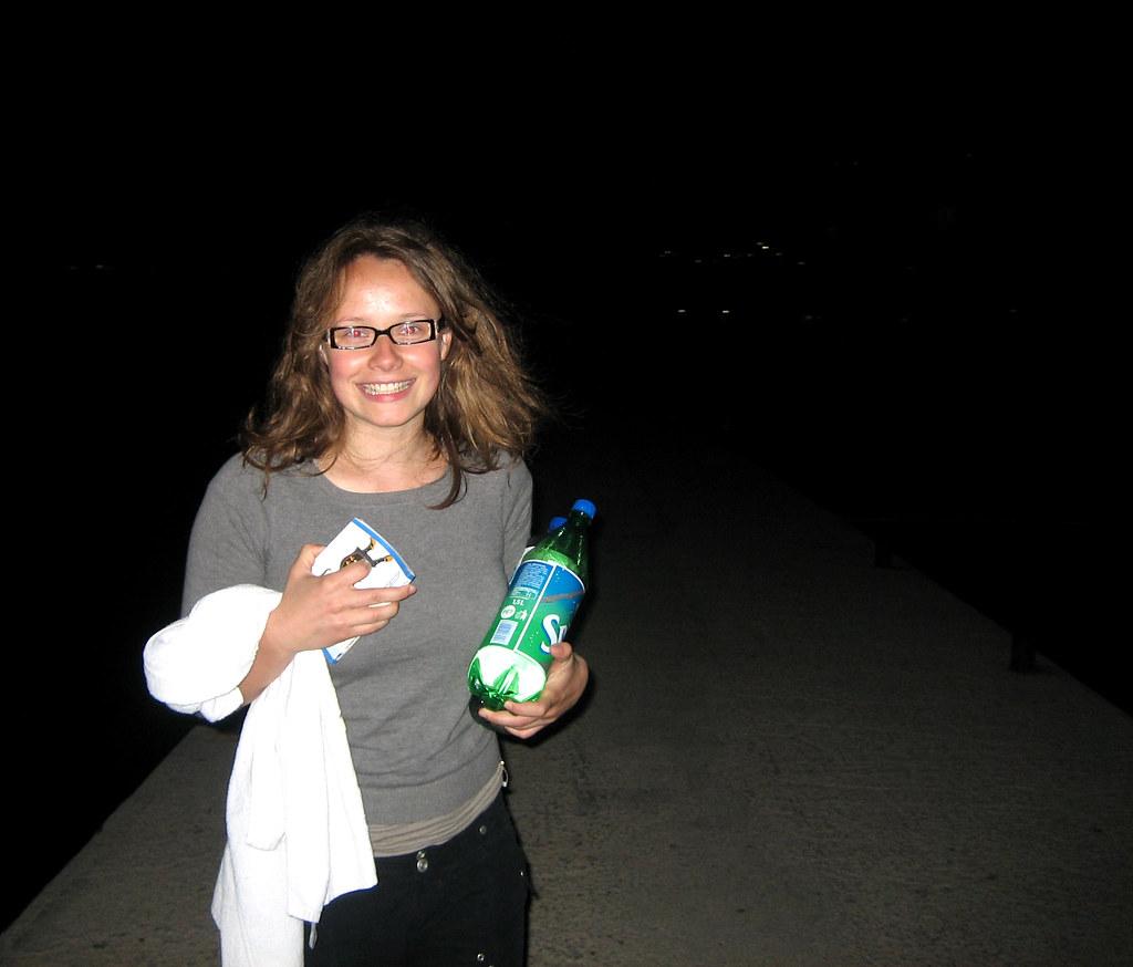 Loli et la bouteille de raki