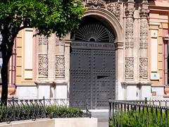 Fundado por Fernando III.- Fachada de LORENZO FERNANDEZ de IGLESIAS.- Transforma el primitivo convento mudéjar, JUAN de OVIEDO y de la BANDERA, entre los años 1.602 y 1.612.- Estilo manierista.