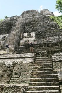 Obrázek Lamanai u Shipyard. temple maya belize lamanai hightemple mayancity gjallarhorntours