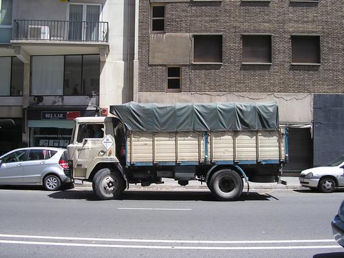 camió Ebro a la plaça Bonanova de Barcelona (1984)