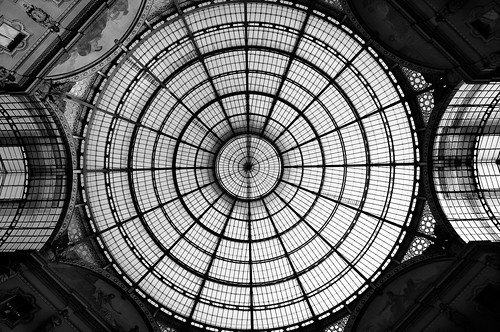 Milano Fashion Symmetry - 無料写真検索fotoq