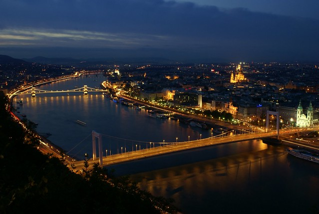 Night photo along the Danube