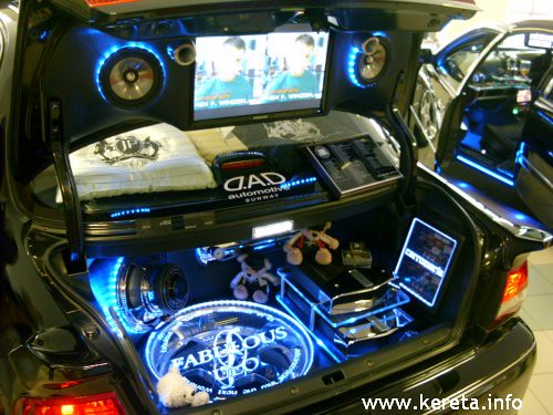nice modified interior audio system in car entertainment. Black Bedroom Furniture Sets. Home Design Ideas