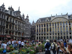 Flower market in the middle of Grande Place | by fergie_lancealot