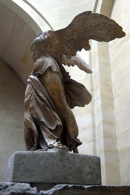 Paris - Musée du Louvre: La Victoire de Samothrace ...
