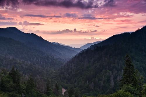 trees sunset sky mountains clouds nationalpark highlands nikon purple tennessee parks northcarolina smokies smokymountains appalachianmountains southernhighlands newfoundgap chimneytops d90 thegreatsmokymountainsnationalpark mortonsoverlook