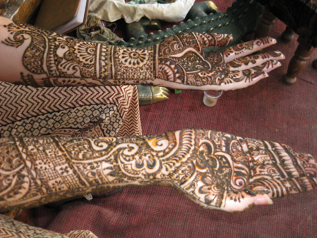 Hella Henna...
