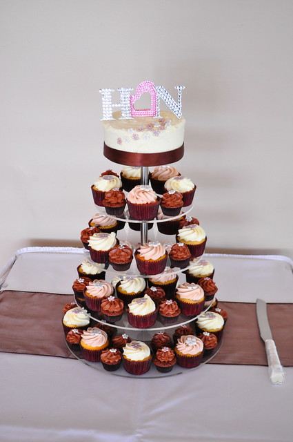 Chocolate brown, latte and ivory wedding cupcakes