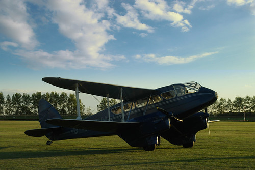 12 record De Havilland Rapide