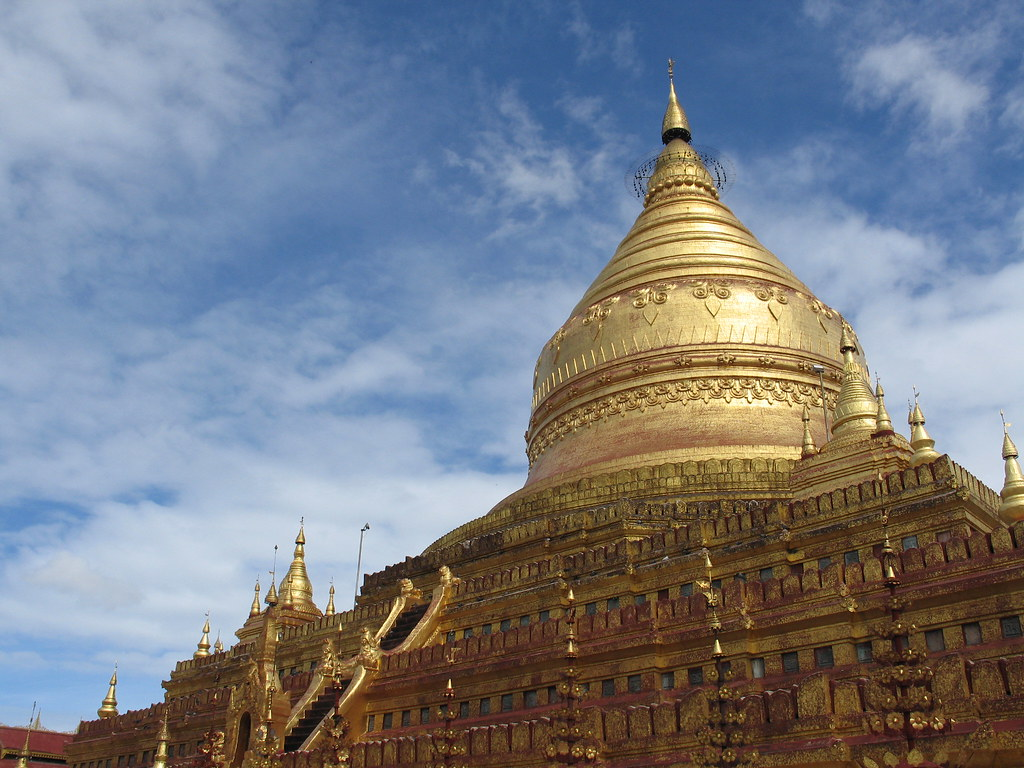 Shwezigon Pagoda, Bagan, Myanmar / Burma
