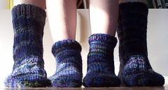 art(0.0), outdoor shoe(0.0), footwear(0.0), wool(1.0), purple(1.0), knitting(1.0), sock(1.0),