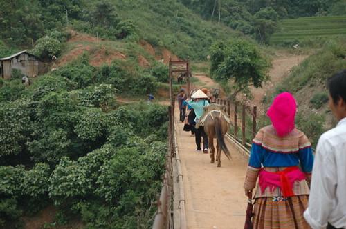 Bridge to Coc Ly markets