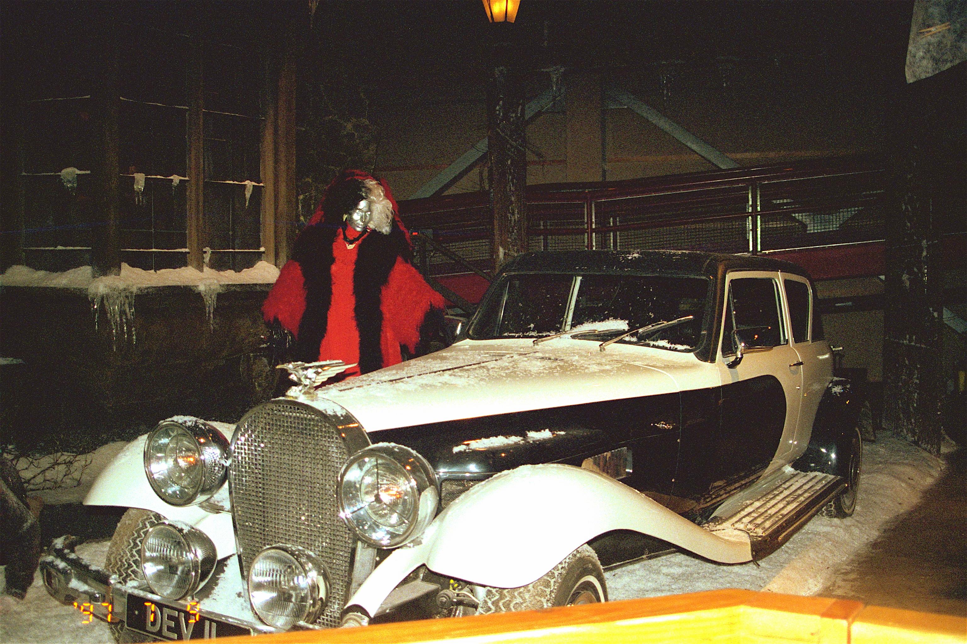 Cruella Deville Car Disney Cruella de vilCruella Deville Car Disney