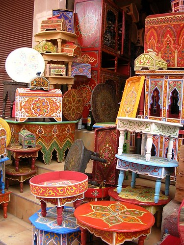 Inspyr365 moroccan furniture for Moroccan hand painted furniture