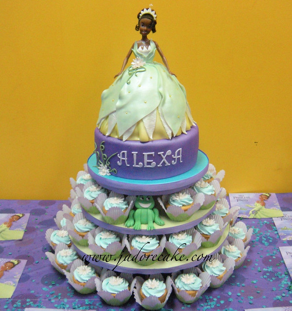 Princess Tiana Cake Pictures : photo