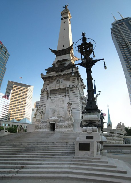 Monument Circle by CC user dougww on Flickr