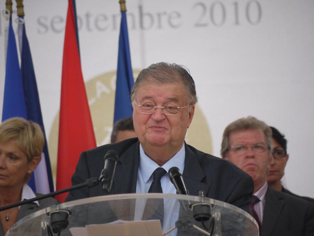related image - Inauguration Place du XXeme siècle à Montpellier le 17 septembre 2010 par Georges Frêche - P1490427