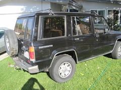 jeep commander (xk)(0.0), automobile(1.0), automotive exterior(1.0), sport utility vehicle(1.0), jeep cherokee (xj)(1.0), vehicle(1.0), compact sport utility vehicle(1.0), off-road vehicle(1.0), bumper(1.0), land vehicle(1.0), luxury vehicle(1.0),