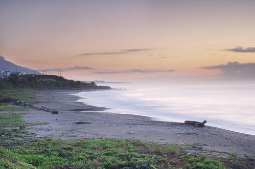 sky beach sunrise geotagged taiwan wave explore seashore 台東 taitung 長濱 烏石鼻 geo:tool=gmif diamondclassphotographer changbin wushihbi geo:lat=23232782 geo:lon=121414024