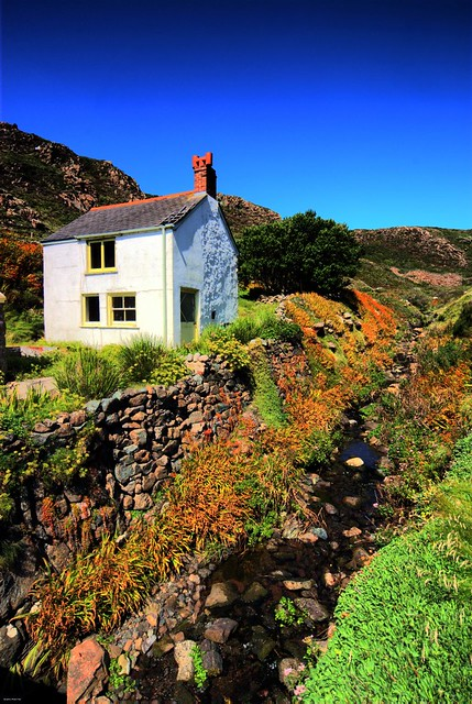 cottage at kynance cove this little cottage is presently