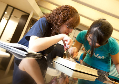 Newman University students dissecting in class