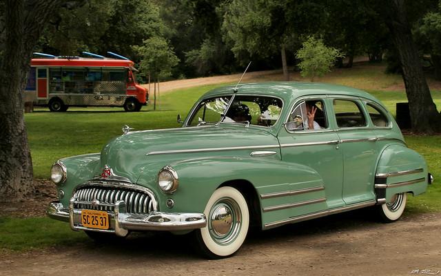 1948 Buick Special 4d sdn - green - fvl