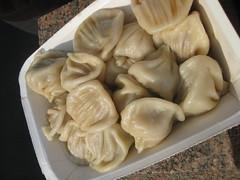 mongolian food, xiaolongbao, manti, mandu, momo, wonton, pelmeni, food, dish, varenyky, dumpling, pierogi, jiaozi, buuz, khinkali, cuisine,