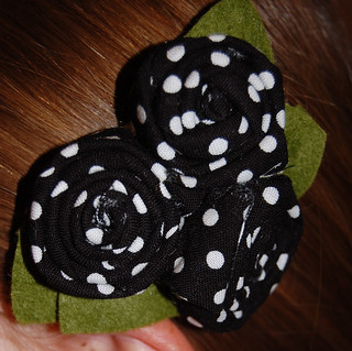 Rosette Clip in Black and White