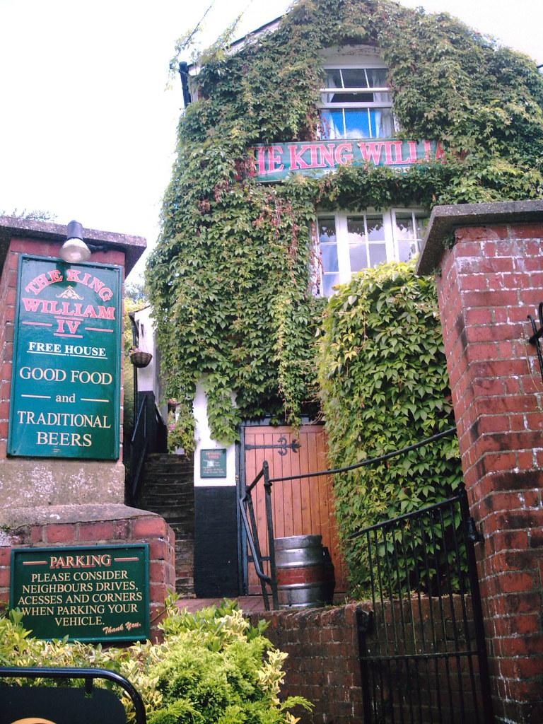 William IV Steep climb to lunch-time pub at Mickelham Surrey. D.Allen Vivitar 5199 5mp