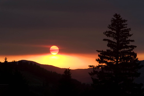 sunset colorado smoke eerie forestfire steamboat obscure supershot