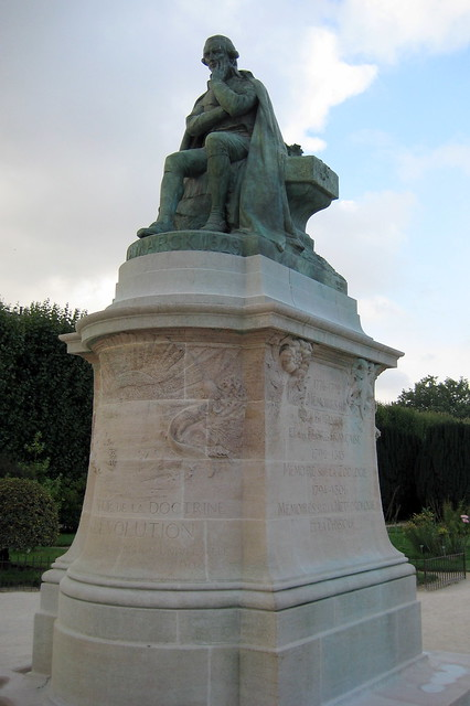 paris jardin des plantes la statue de lamarck flickr photo sharing. Black Bedroom Furniture Sets. Home Design Ideas