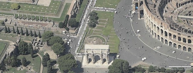 ROME - The Neglect of Rome's Cultural Heritage by the Ministry of Culture (2008-11), and the City of Rome (2005 - 11): Rome & GOOGLE EARTH (2006) - View of the Roman Forum, Arch of Constantine, the Colloseum. Note: the long lines of illegal vendors.