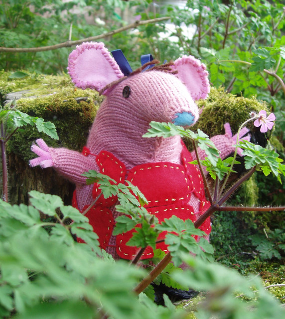 CLANGERS KNITTING PATTERN   Patterns 2016